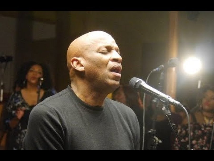 Donnie McCLurkin - Made a Way By Travis Greene (Live)
